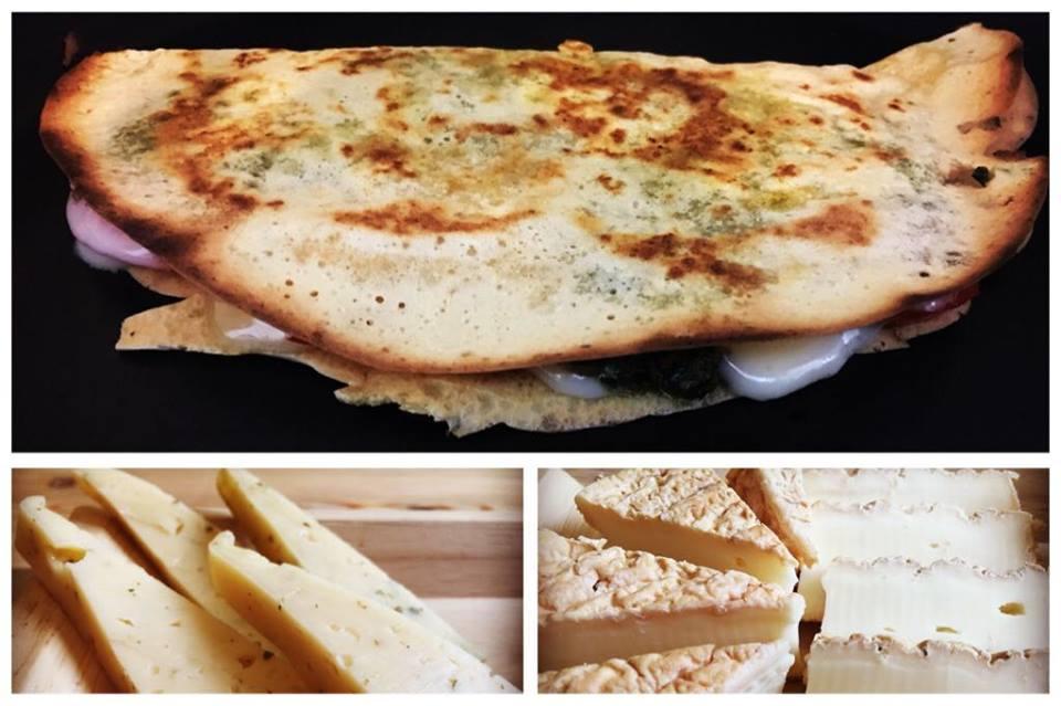 קרפ מקמח חומוס במילוי עשיר של גבינות